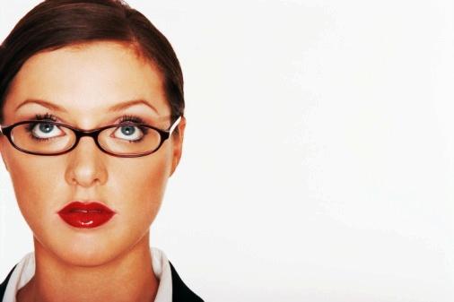 Cómo maquillarte los ojos utilizando gafas
