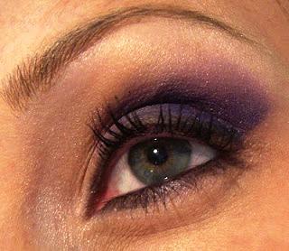 Maquillaje de color rosa y violeta