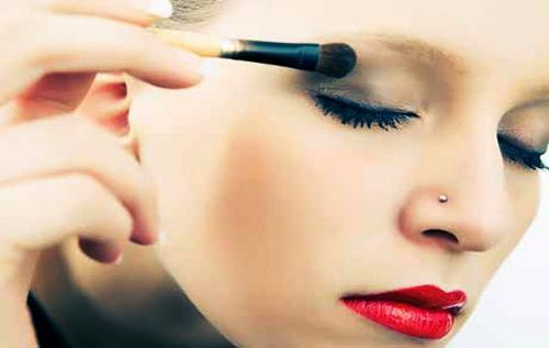 Consejos para el maquillaje de ojos caídos