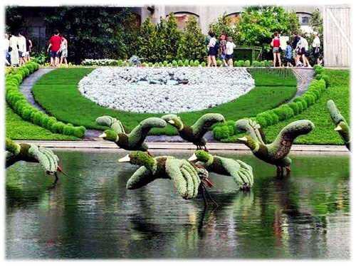 La moda de las esculturas con plantas